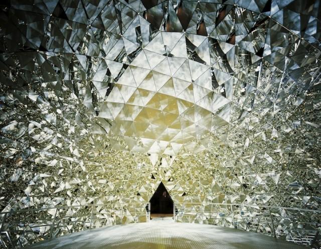Swarovski-Crystal-Worlds7-640x497